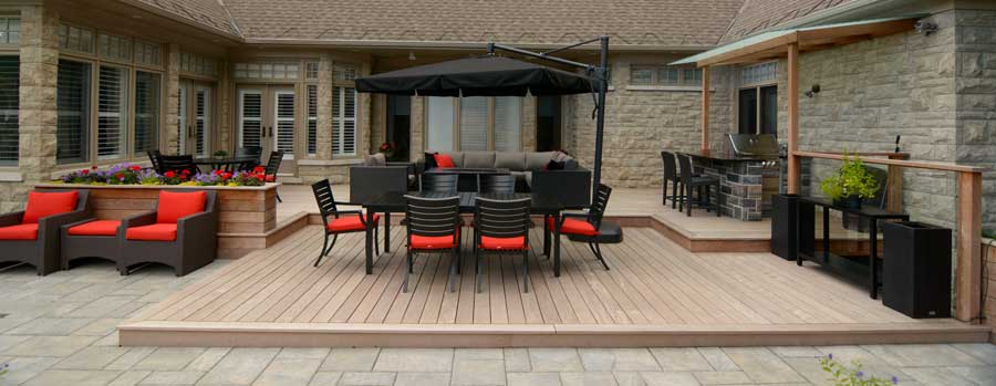custom-landscaping-composite-deck