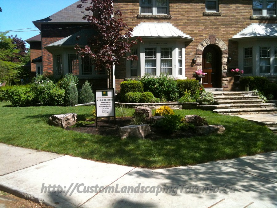 Custom Landscaping Toronto driveway interlock and fence01 Project Galleries