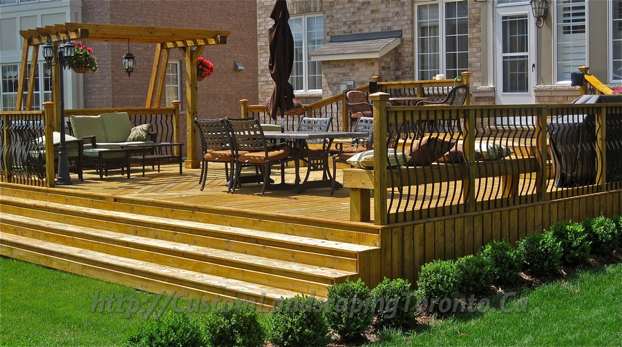 Custom landscaping toronto patio cedar deck with pergola05 for Custom landscaping
