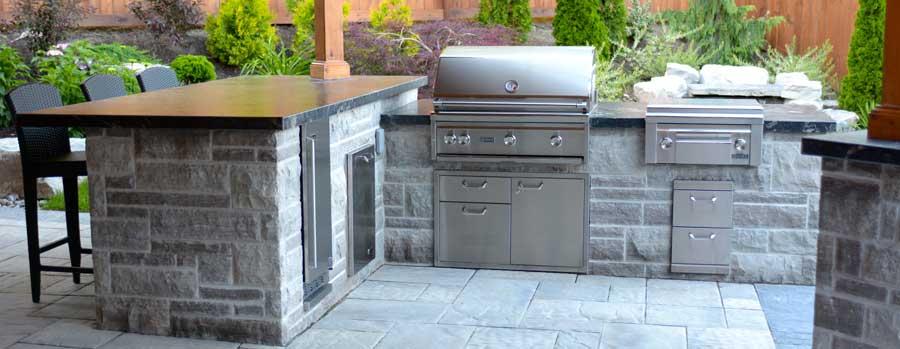 custom-landscaping-outdoor-kitchen